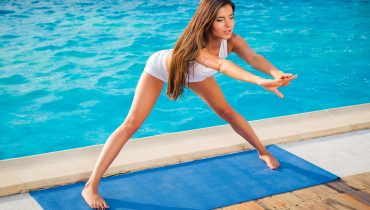 Забравете за пролетната умора и смяната на времето – 3 йога тренировки за повече енергия